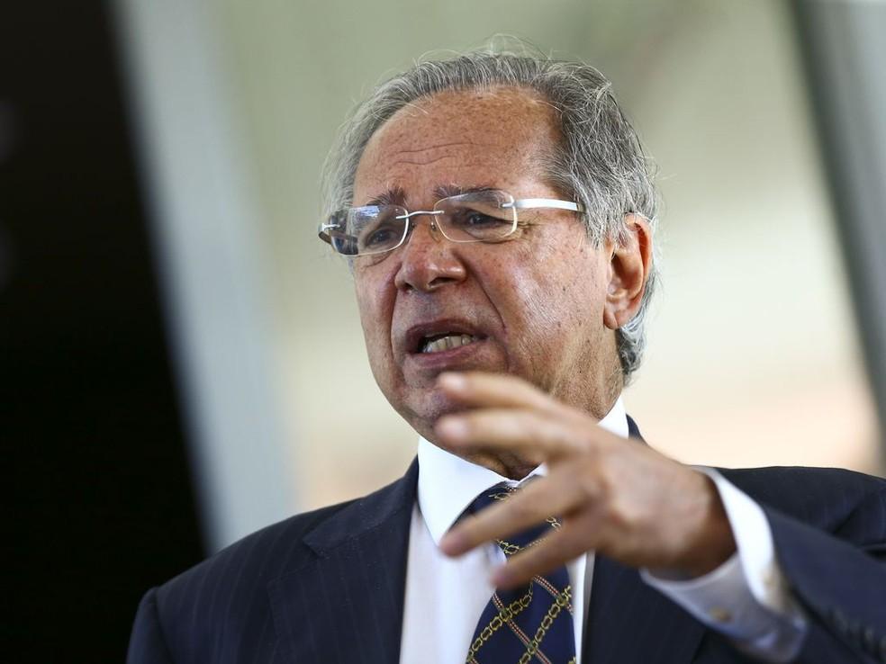 Qual o problema de a energia ficar um pouco mais cara?', questiona Guedes